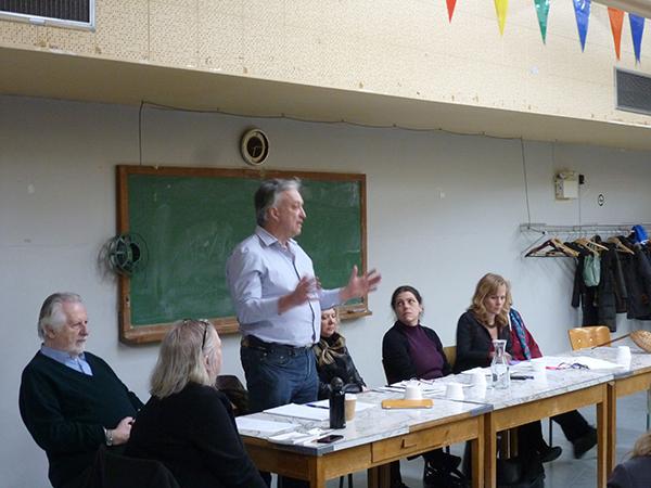 Jean-Pierre Daubois, conseiller syndical de la  FSSS-CSN, débute la présentation.